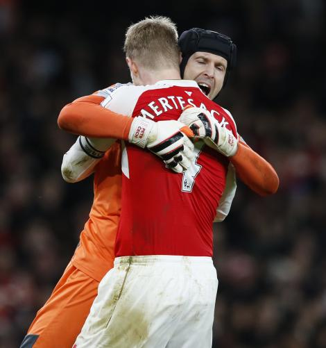 Video: Arsenal-spillere imod legender