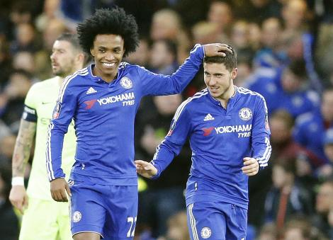 Willian: Har talt med United
