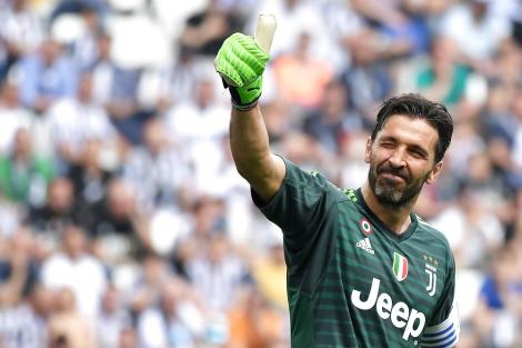 Avis: Buffon skriver under i dag